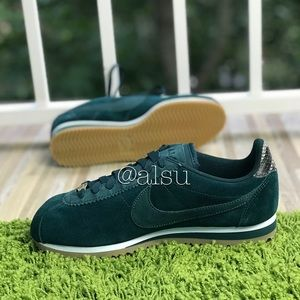 half off 13e1f 09ad4 Nike Shoes - NWT Nike Classic Cortez ALC Prem Midnight Spruce W